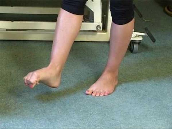 65fc3b73 Tærne blir ofte brukt altfor lite i dag, siden vi går med sko over alt. Ved  å trene opp tærne dine daglig kan du komme til å kjenne stor forbedring i  ...